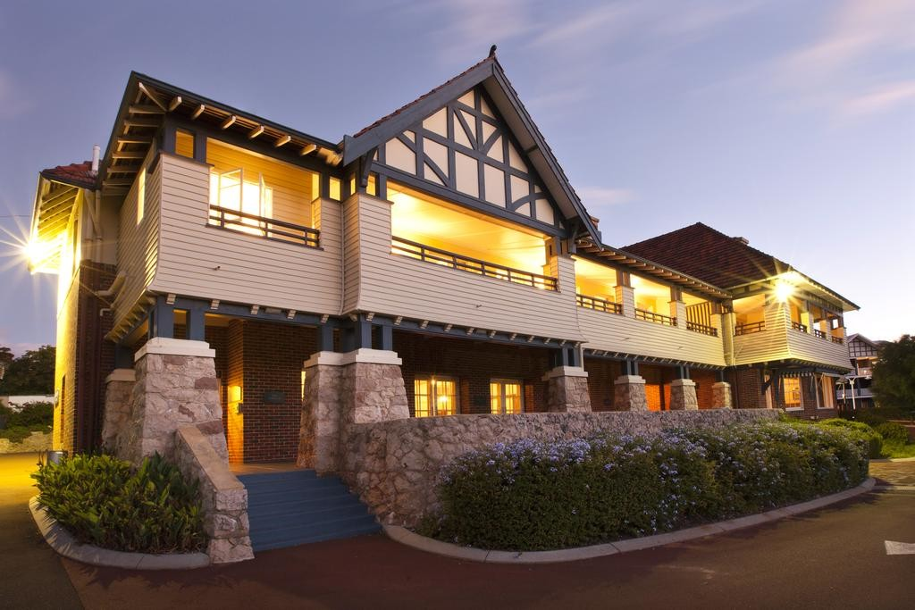 Caves House Hotel - Restaurant, Bar & Events
