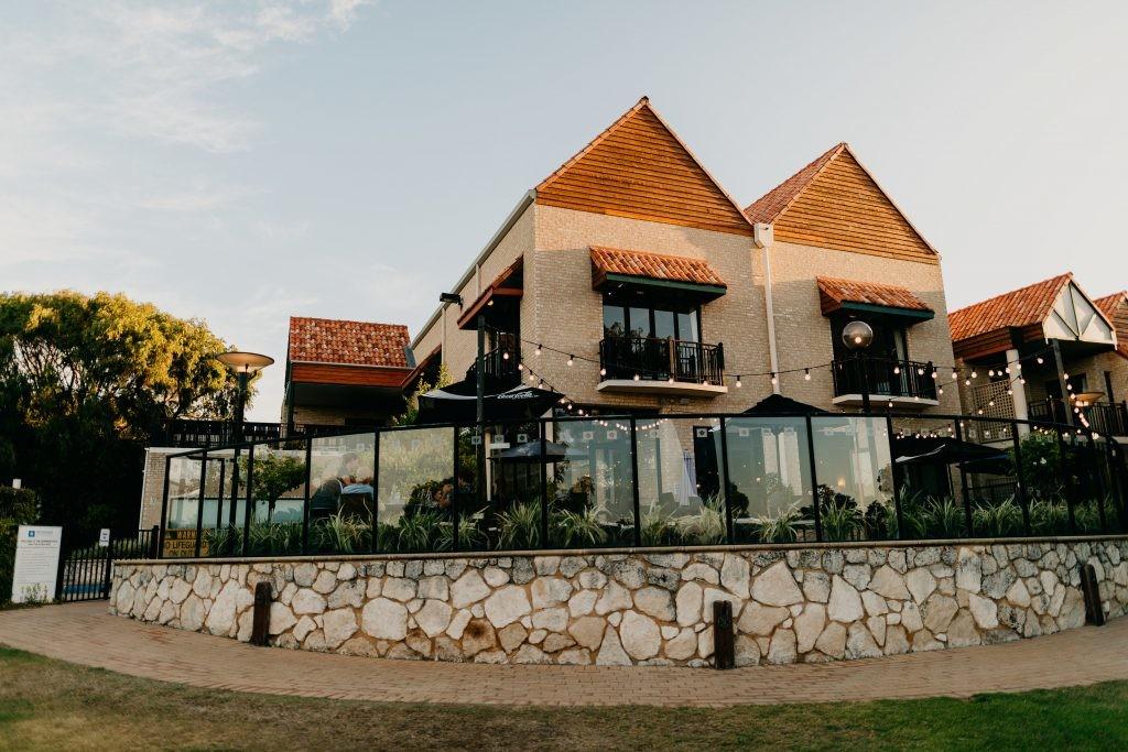 Toby's Restaurant & Bar