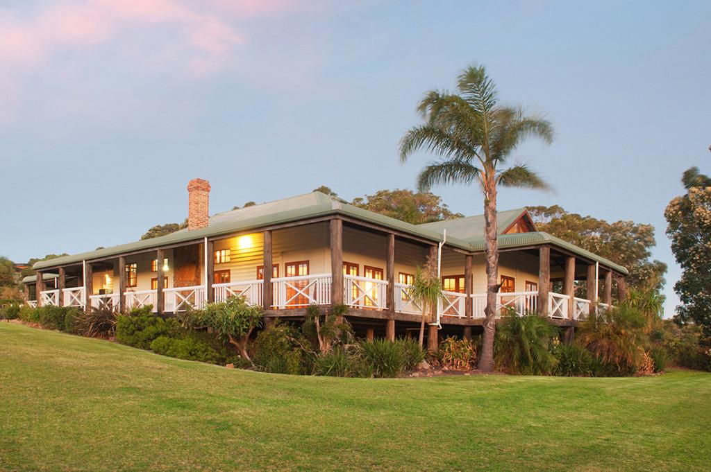 The Farmhouse - Serenity Holiday Properties